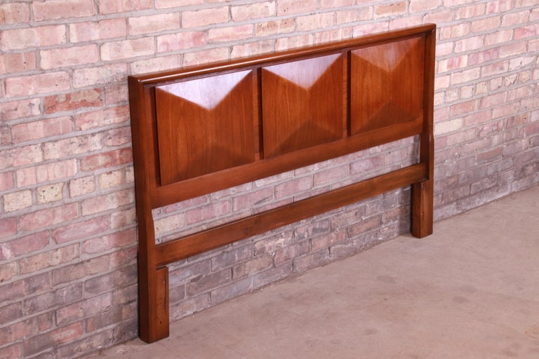 Mid-20th Century Mid-Century Modern Sculpted Walnut Diamond Front Headboard by United For Sale
