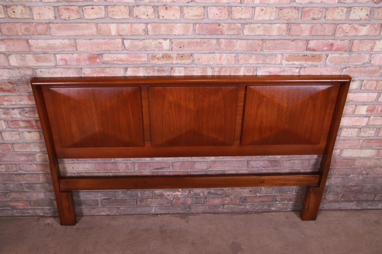 Mid-Century Modern Sculpted Walnut Diamond Front Headboard by United For Sale 1