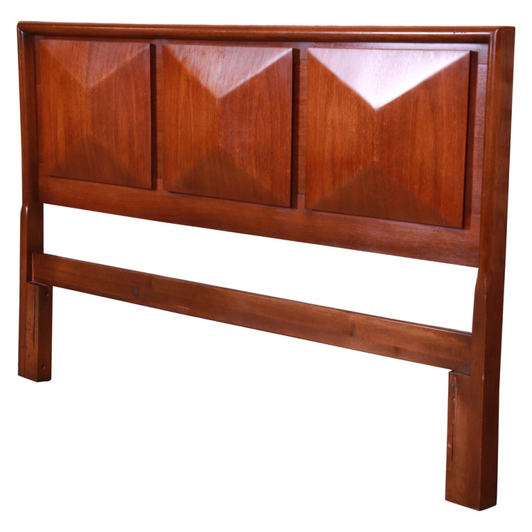 Mid-Century Modern Sculpted Walnut Diamond Front Headboard by United For Sale