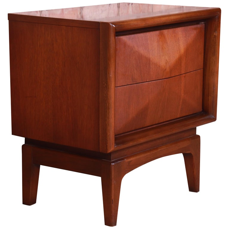 Mid-Century Modern Sculpted Walnut Diamond Front Nightstand by United, 1960s For Sale