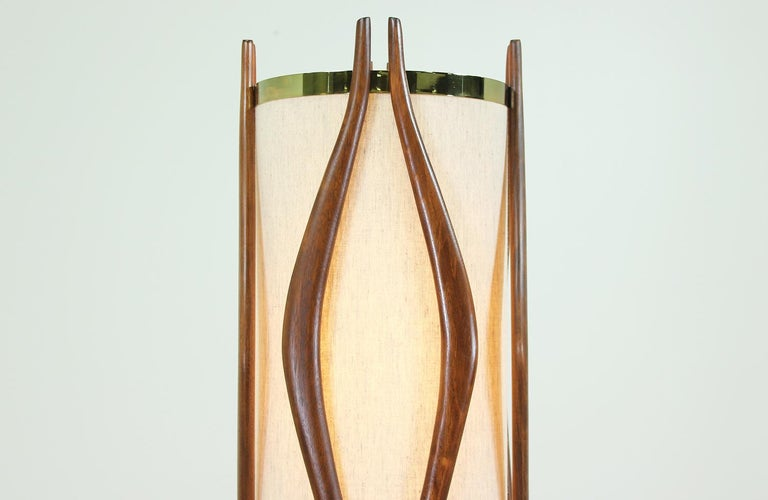 Mid-Century Modern Sculpted Walnut Floor Lamp by Modeline In Excellent Condition In Los Angeles, CA
