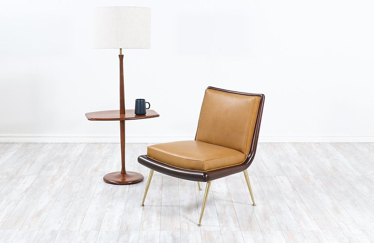 American Mid-Century Modern Sculpted Walnut Floor Lamp with Side Table by Laurel For Sale