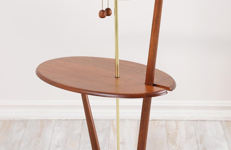 Mid-Century Modern Sculpted Walnut Floor Lamp with Side Table For Sale 6