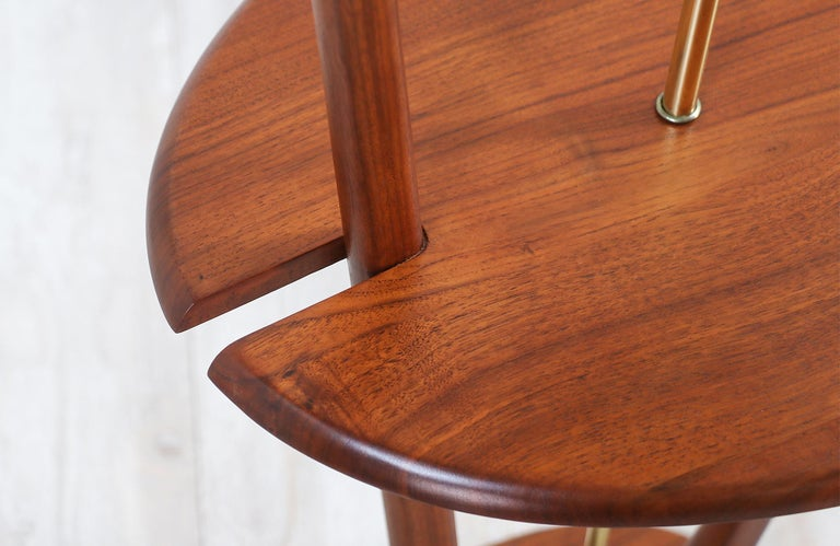 Mid-Century Modern Sculpted Walnut Floor Lamp with Side Table For Sale 8