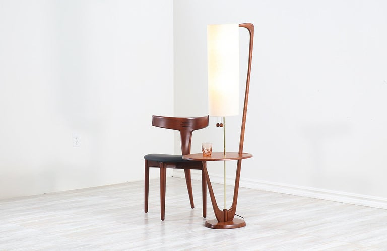 American Mid-Century Modern Sculpted Walnut Floor Lamp with Side Table For Sale