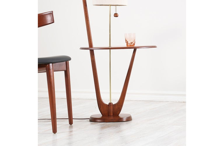 Linen Mid-Century Modern Sculpted Walnut Floor Lamp with Side Table For Sale