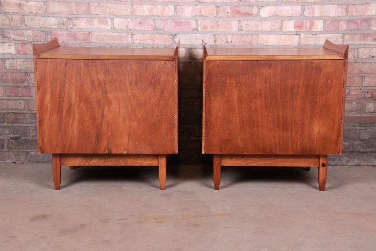 Mid-Century Modern Sculpted Walnut Nightstands by Bethlehem Furniture, Restored For Sale 12