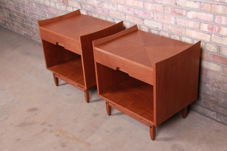 20th Century Mid-Century Modern Sculpted Walnut Nightstands by Bethlehem Furniture, Restored For Sale