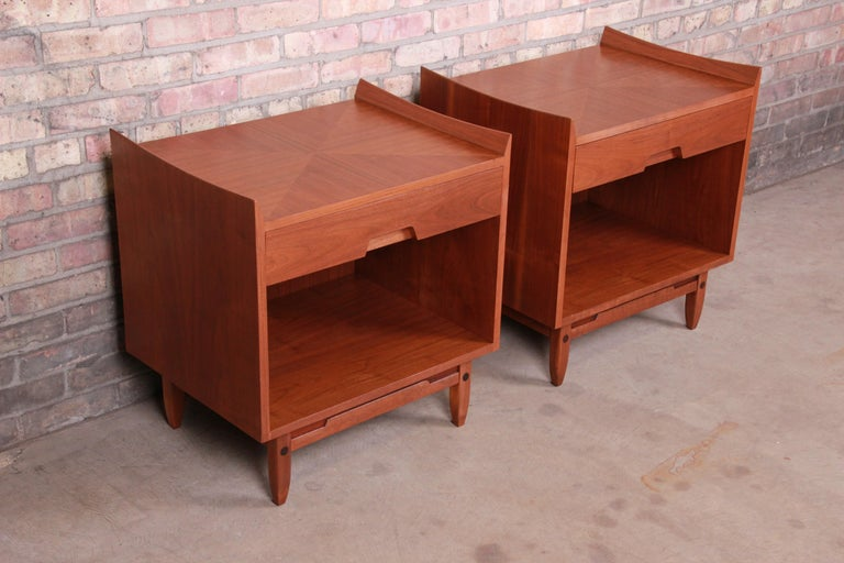 Mid-Century Modern Sculpted Walnut Nightstands by Bethlehem Furniture, Restored For Sale 1