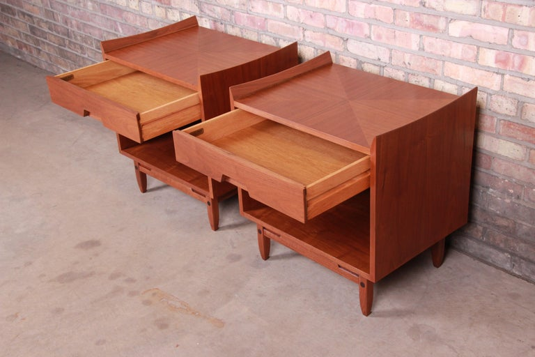Mid-Century Modern Sculpted Walnut Nightstands by Bethlehem Furniture, Restored For Sale 4