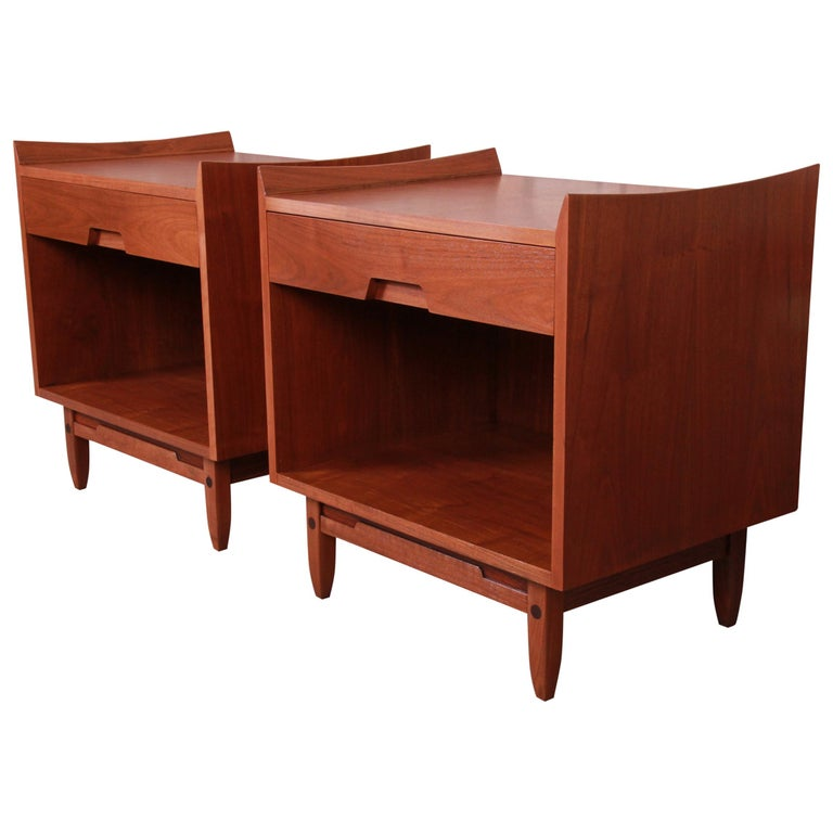 Mid-Century Modern Sculpted Walnut Nightstands by Bethlehem Furniture, Restored For Sale