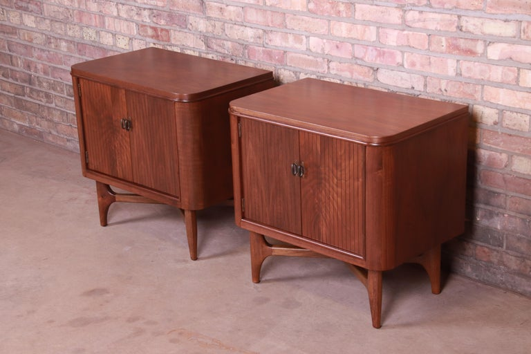 American Mid-Century Modern Sculpted Walnut Nightstands, Newly Refinished For Sale