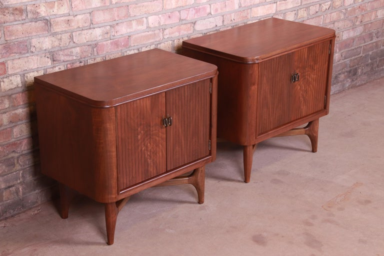 Mid-20th Century Mid-Century Modern Sculpted Walnut Nightstands, Newly Refinished For Sale