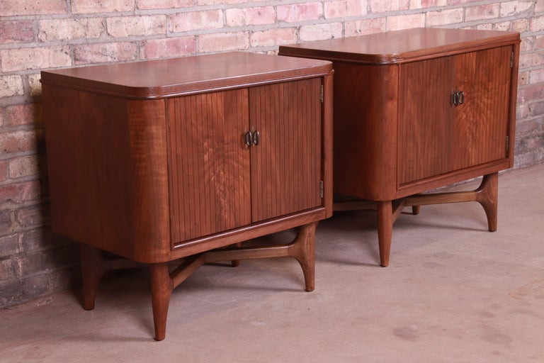Mid-Century Modern Sculpted Walnut Nightstands, Newly Refinished For Sale 1