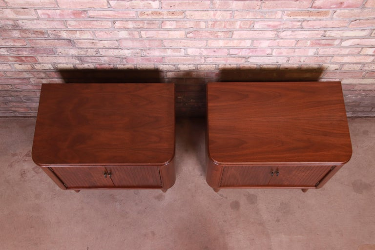Mid-Century Modern Sculpted Walnut Nightstands, Newly Refinished For Sale 3