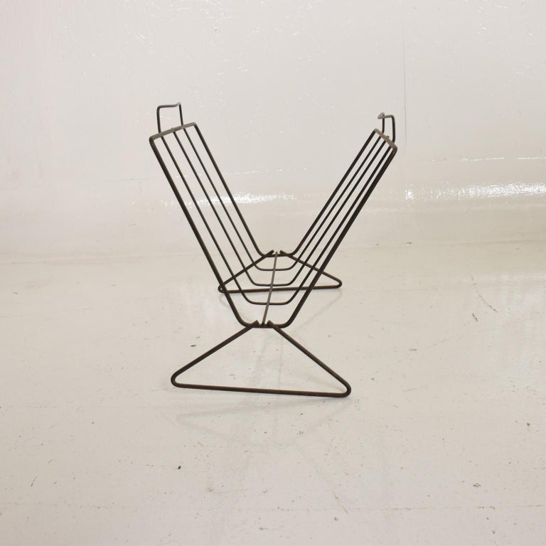 Mid-Century Modern Sculptural Iron Magazine Rack, Nelson Era In Fair Condition For Sale In National City, CA