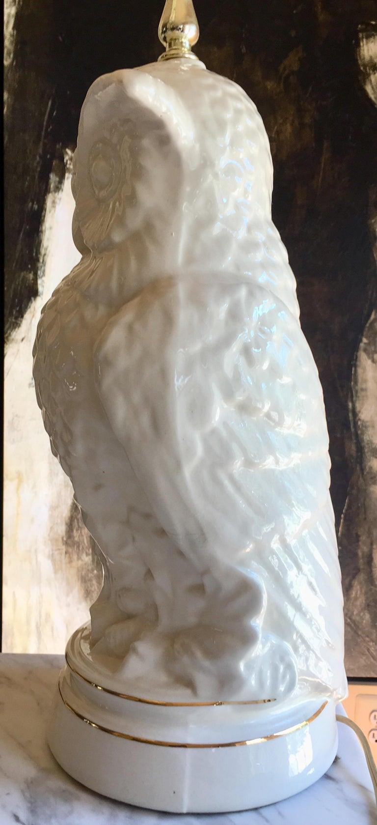 Mid-Century Modern Sculptural Owl Table Lamp In Good Condition In Lambertville, NJ