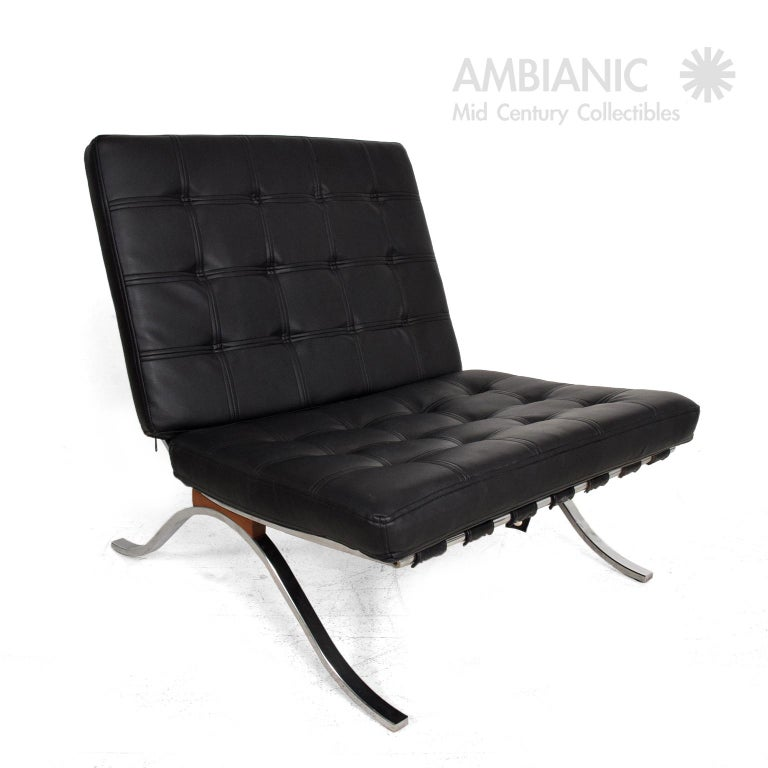American Mid-Century Modern SELIG Barcelona Lounge Chair in Chrome and Faux Leather 1960s For Sale