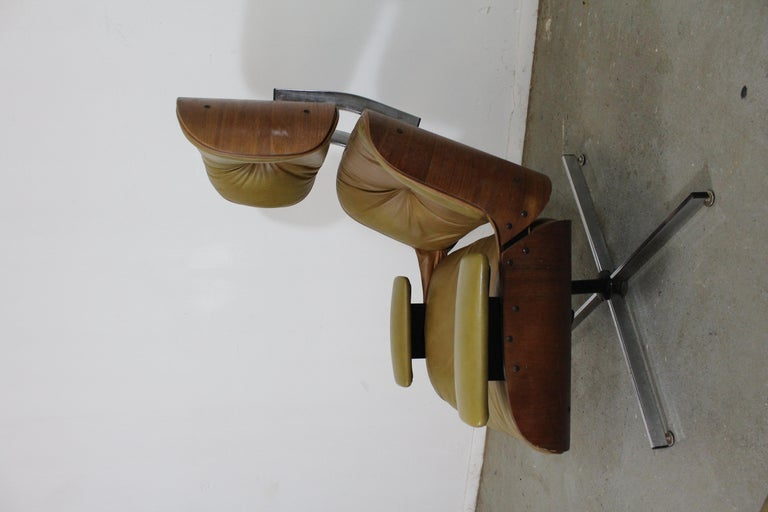 Mid-Century Modern Selig Eames Leather Lounge Chair and Ottoman 4