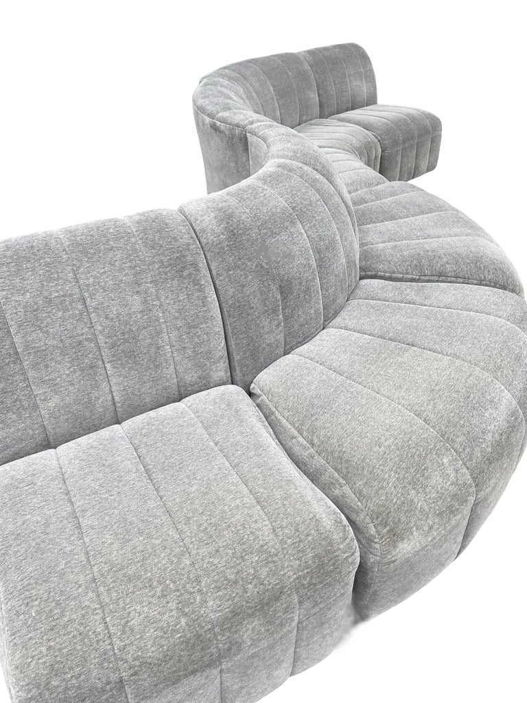 Mid-Century Modern Serpentine Milo Baughman Modular Sectional Sofa in Gray For Sale 1