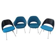 Mid-Century Modern Set of 4 Saarinen for Knoll Executive Chairs