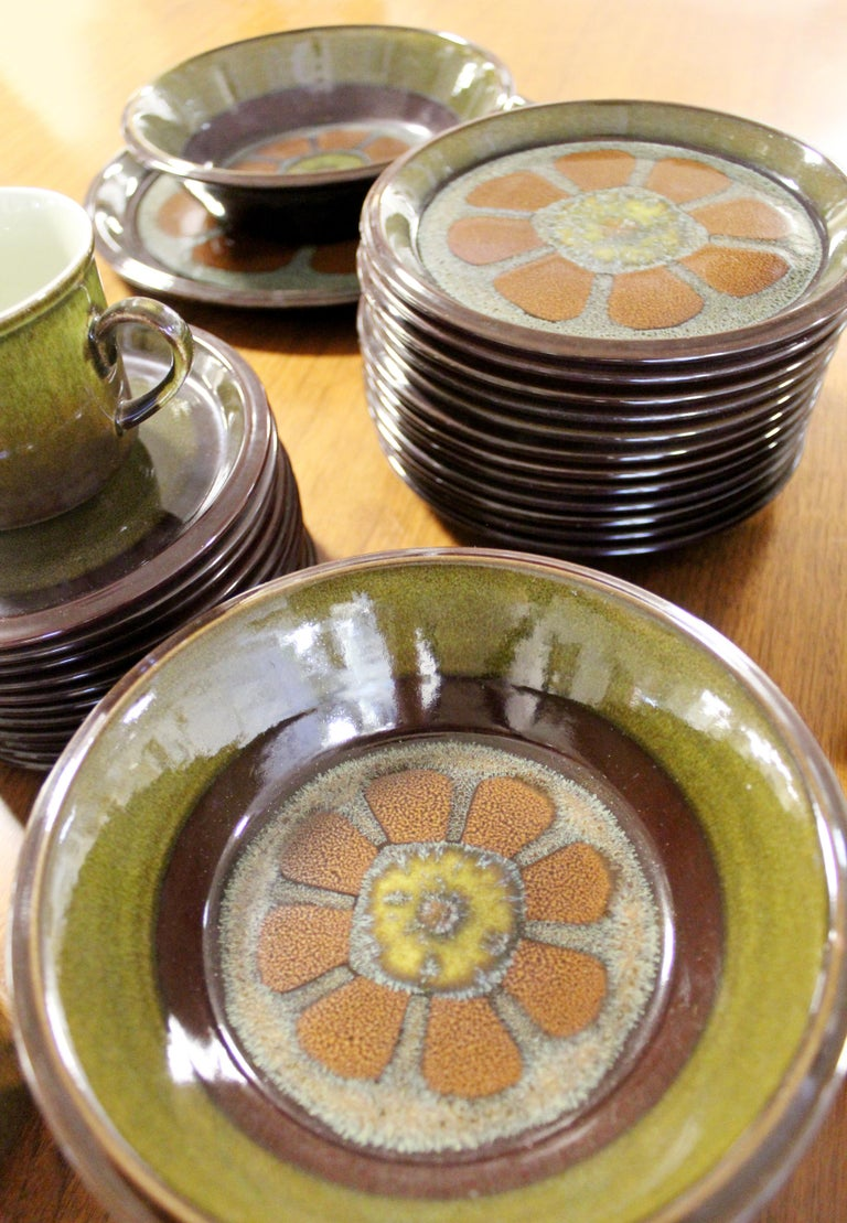 Mid-Century Modern Set of 43 Mikasa Adonis Ceramic Japanese Dishes 1970s Floral For Sale 1