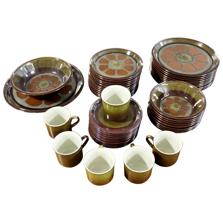 Mid-Century Modern Set of 43 Mikasa Adonis Ceramic Japanese Dishes 1970s Floral For Sale