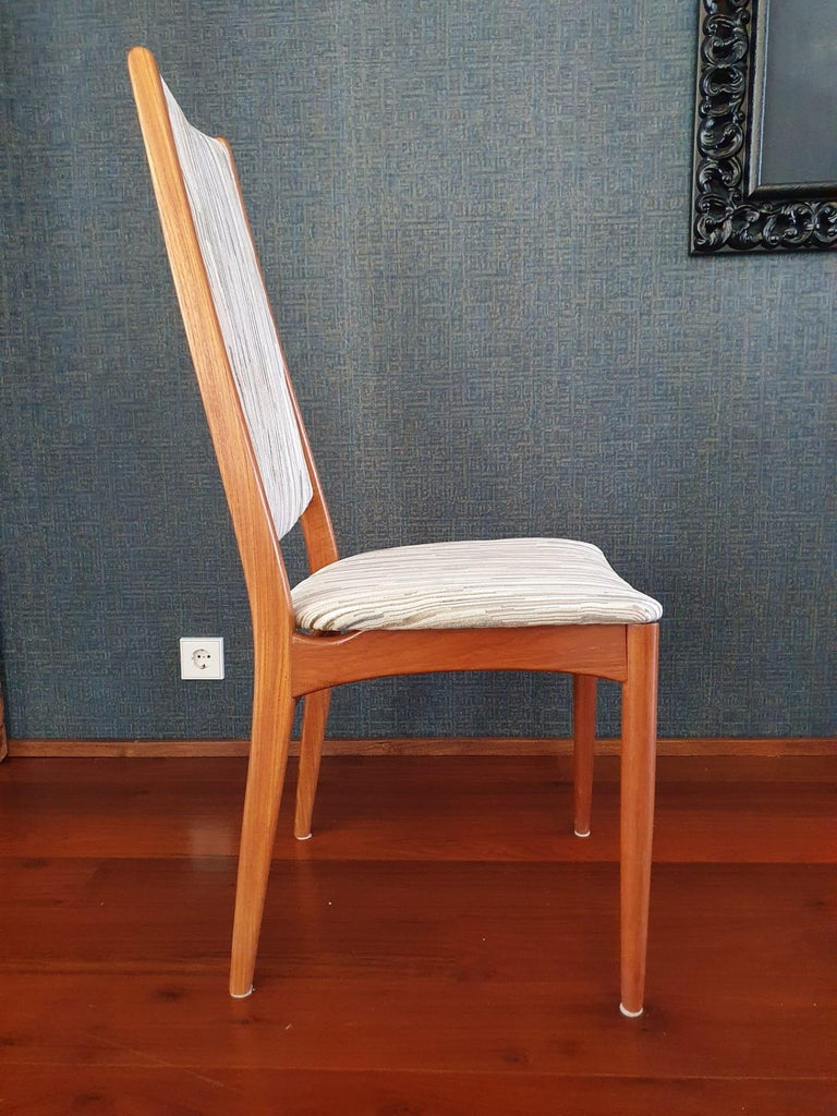 Fabric Mid-Century Modern Set of 8 Teak Dining Chairs Attributed to Johannes Andersen For Sale
