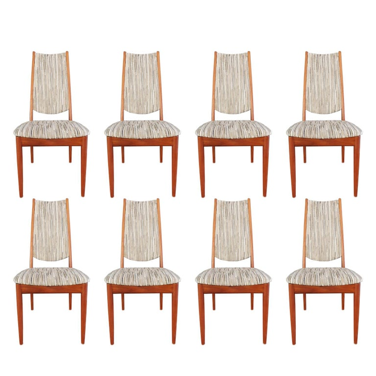 Mid-Century Modern Set of 8 Teak Dining Chairs Attributed to Johannes Andersen For Sale