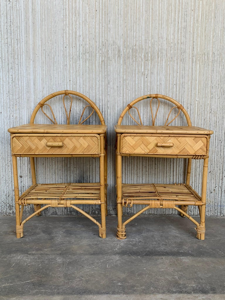 20th Century Mid-Century Modern Set of Bamboo and Bentwood Headboard and Two Nightstands For Sale