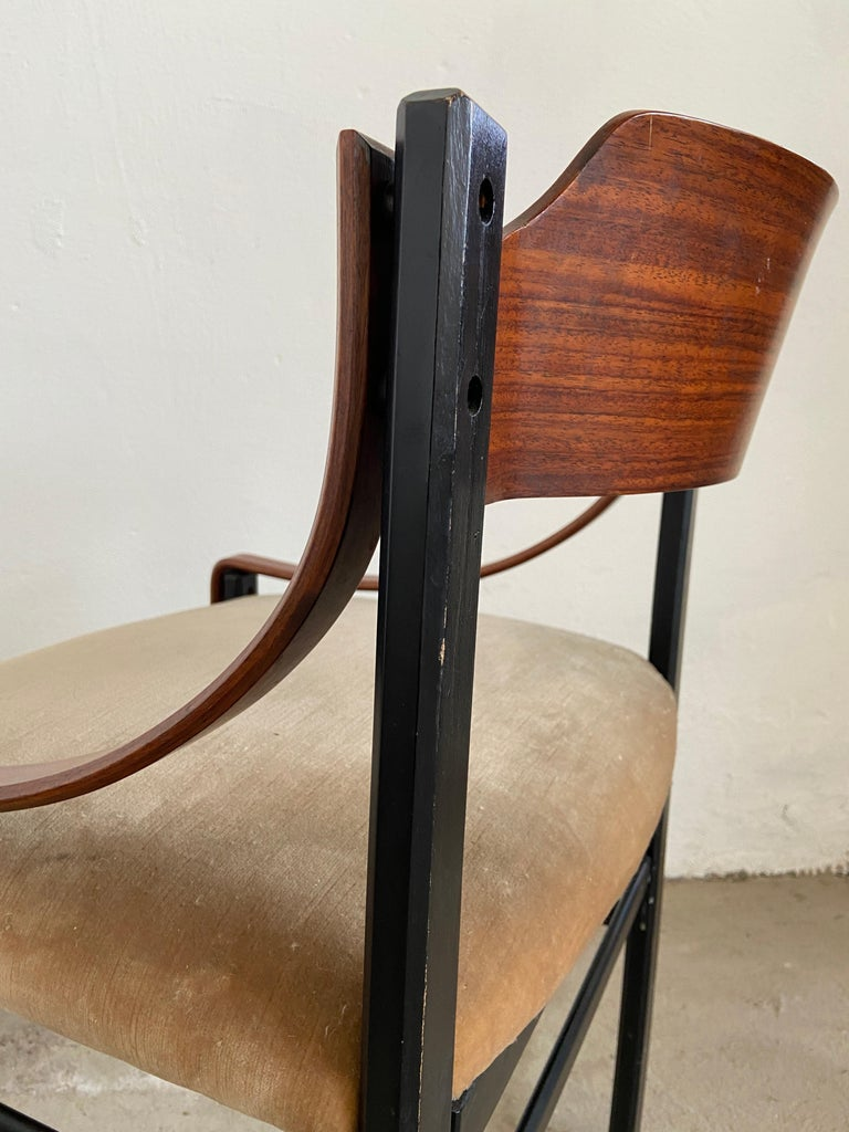 Mid-Century Modern Set of Four Danish Dining Room Chairs, 1960s For Sale 3