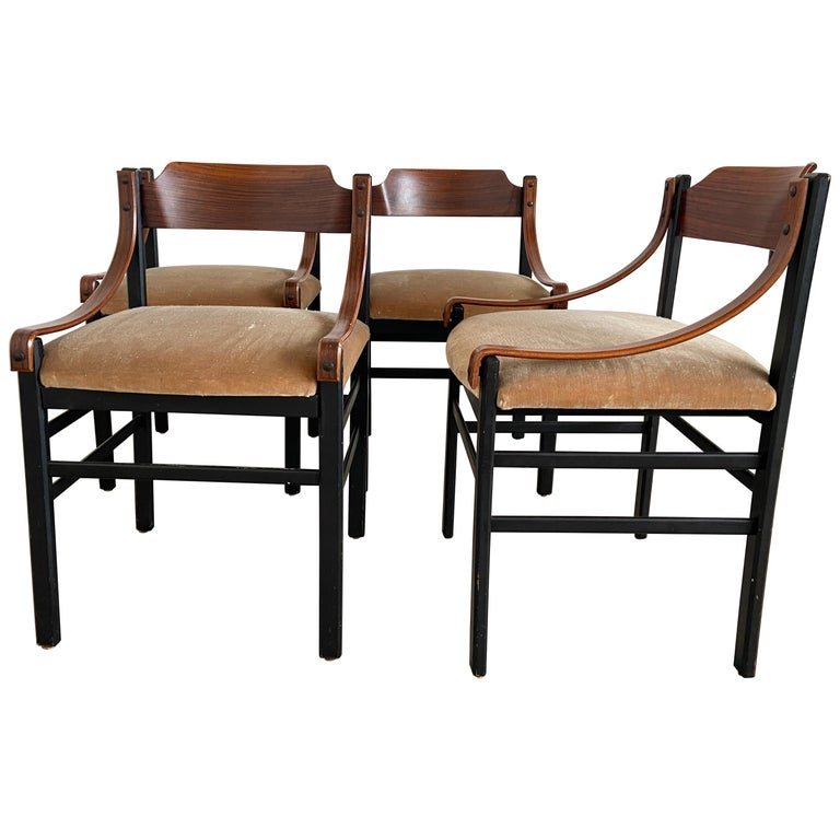 Mid-Century Modern Set of Four Danish Dining Room Chairs, 1960s For Sale