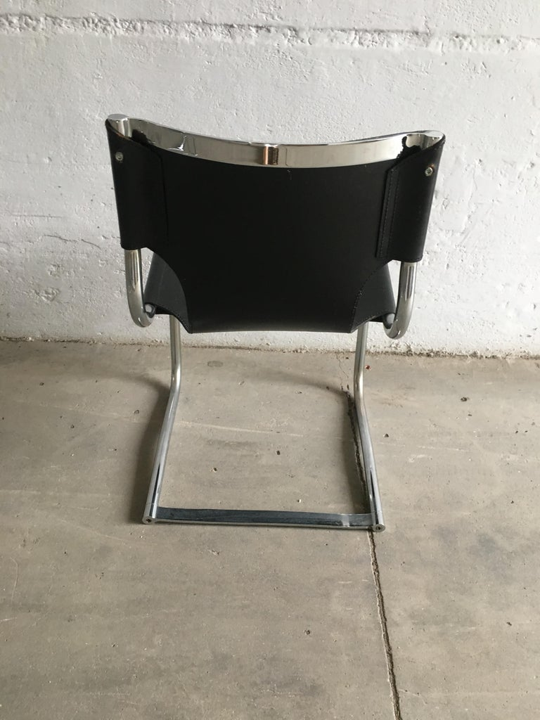 Mid-Century Modern Set of Four Italian Chrome and Leather Chairs. 1970s For Sale 8