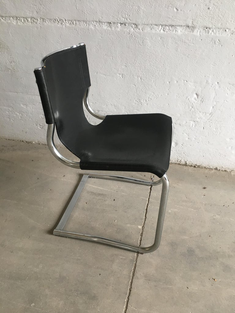 Mid-Century Modern Set of Four Italian Chrome and Leather Chairs. 1970s For Sale 10