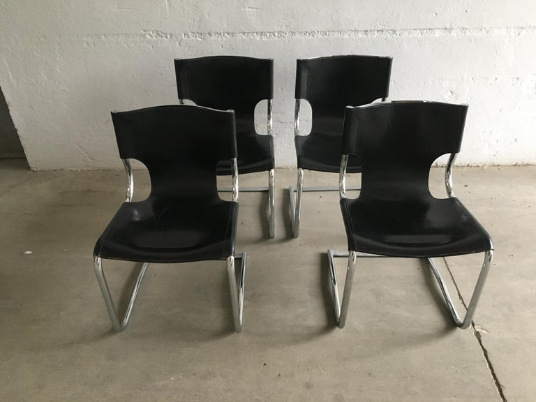 Mid-Century Modern Set of Four Italian Chrome and Leather Chairs. 1970s For Sale 1