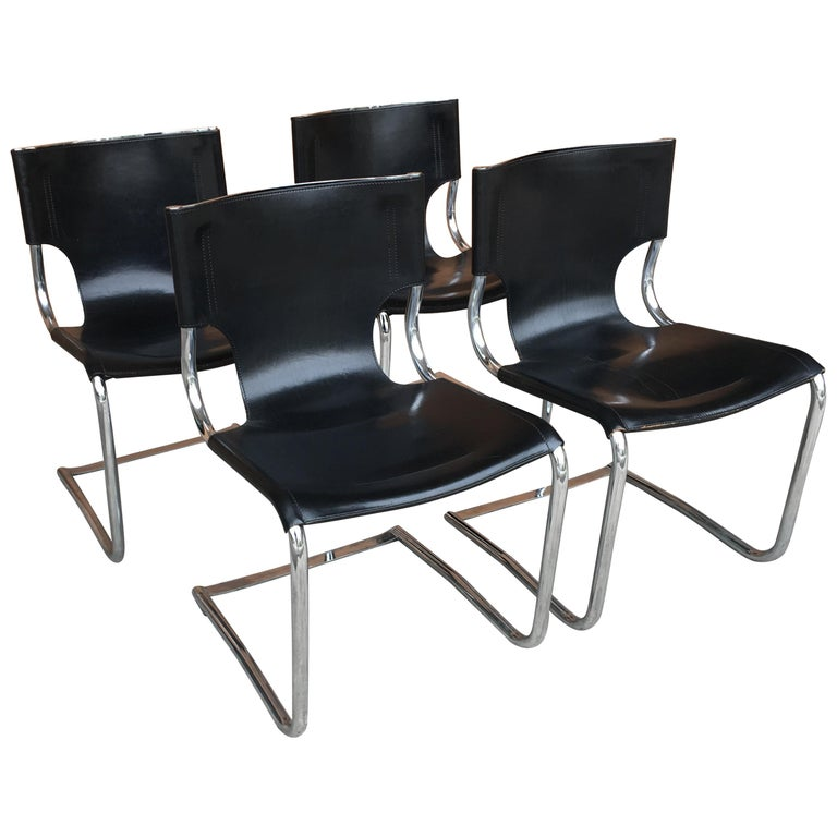 Mid-Century Modern Set of Four Italian Chrome and Leather Chairs. 1970s For Sale