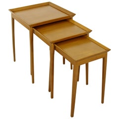 Mid-Century Modern Set of Nesting Side Tables, Robsjohn-Gibbings Widdicomb 1950s
