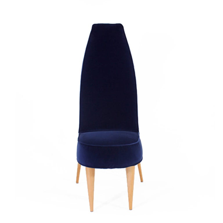 Mid-Century Modern Set of Six Blue Velvet and Birchwood Zoomorphic French Chairs In Excellent Condition For Sale In Madrid, ES