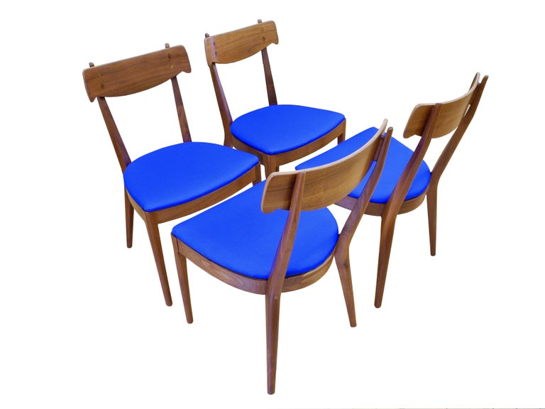 American Mid-Century Modern Set of Six Walnut Dining Room Chairs by Kipp Stewart For Sale