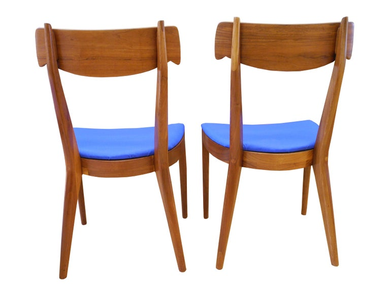 Mid-Century Modern Set of Six Walnut Dining Room Chairs by Kipp Stewart For Sale 1