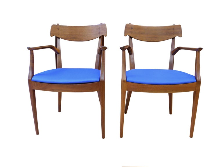 Mid-Century Modern Set of Six Walnut Dining Room Chairs by Kipp Stewart For Sale 2