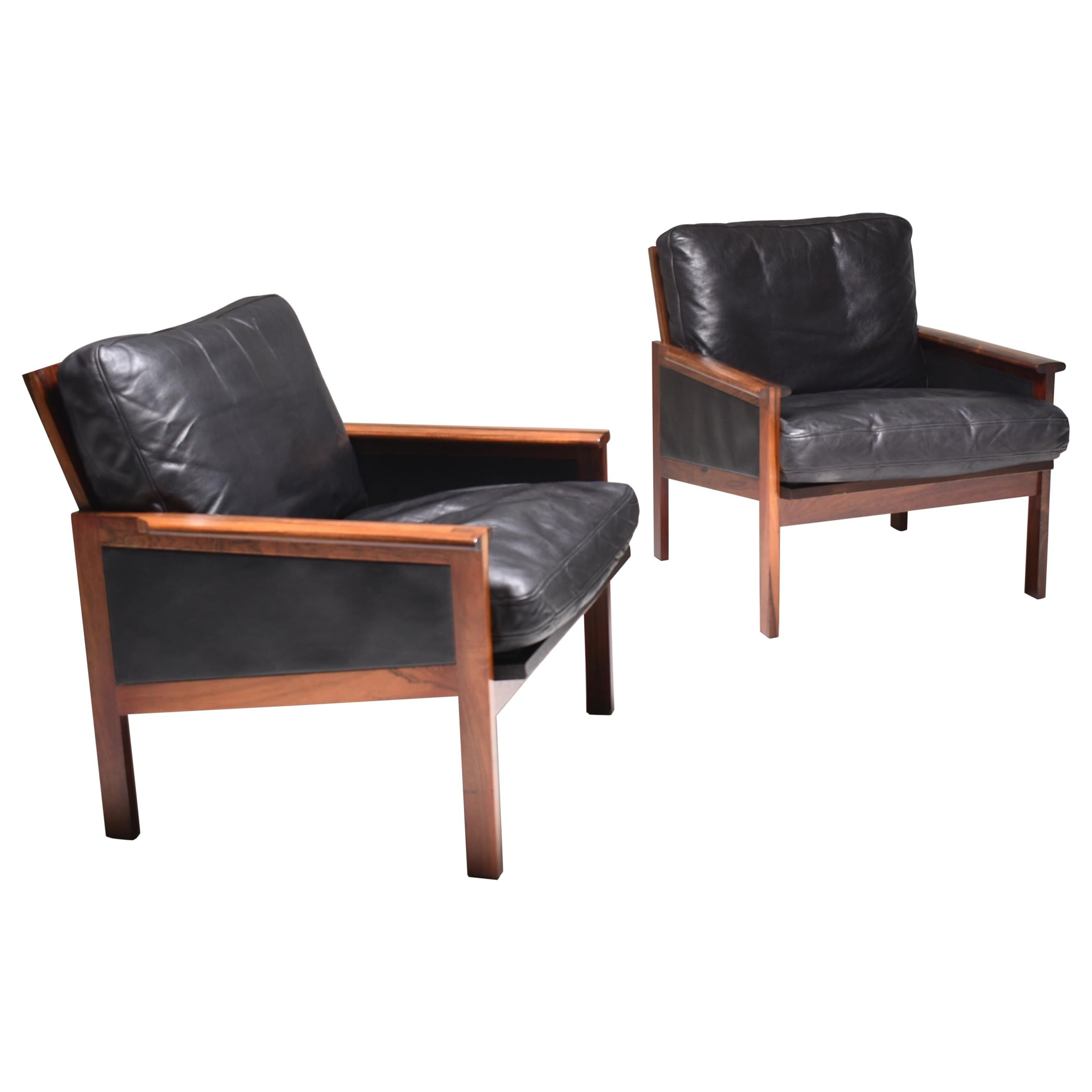 """Mid-Century Modern Set of Two """"Capella"""" Illum Wikkelsø Easy Chairs in Leather"""