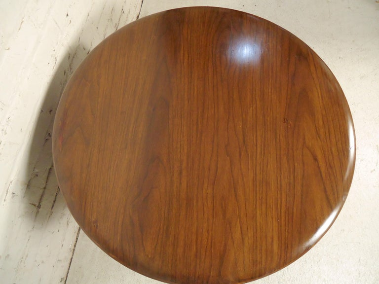 Mid-Century Modern Side Table In Good Condition For Sale In Brooklyn, NY
