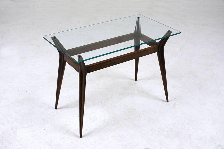 Mid-Century Modern Side Table In Excellent Condition For Sale In Los Angeles, CA
