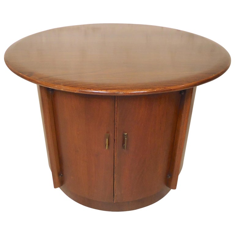 Mid-Century Modern Side Table For Sale