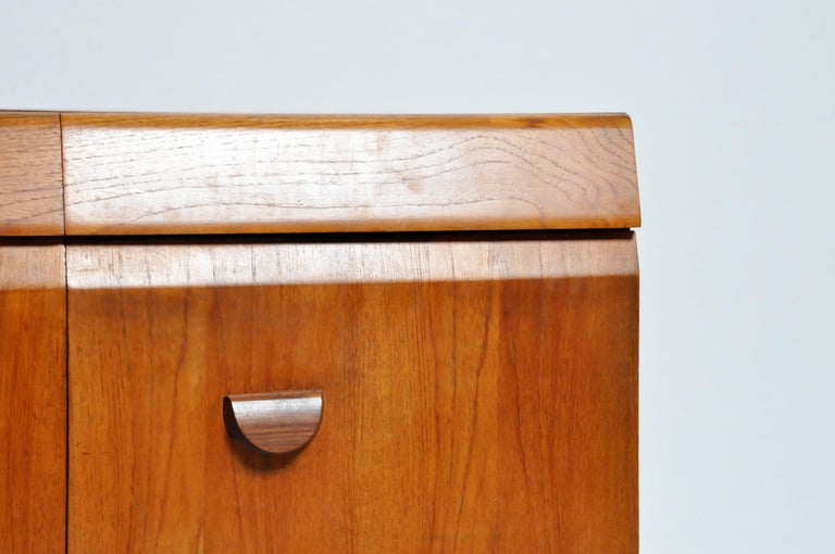 Mid-Century Modern Sideboard For Sale 4