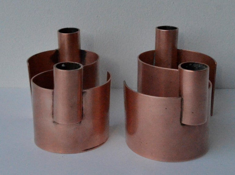 Pair of S-Form with 2 Candelabras Each Rebajes Copper Candlestick Holders In Good Condition For Sale In Houston, TX