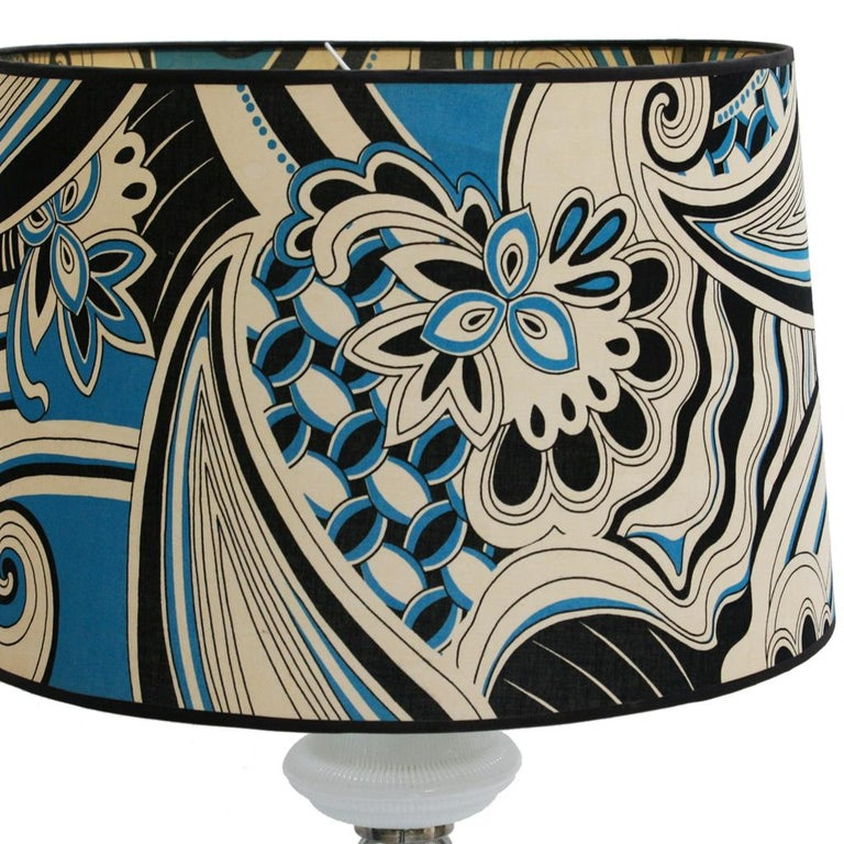 Mid-Century Modern Single Murano and Metal Italian Table Lamp In Good Condition For Sale In Madrid, ES