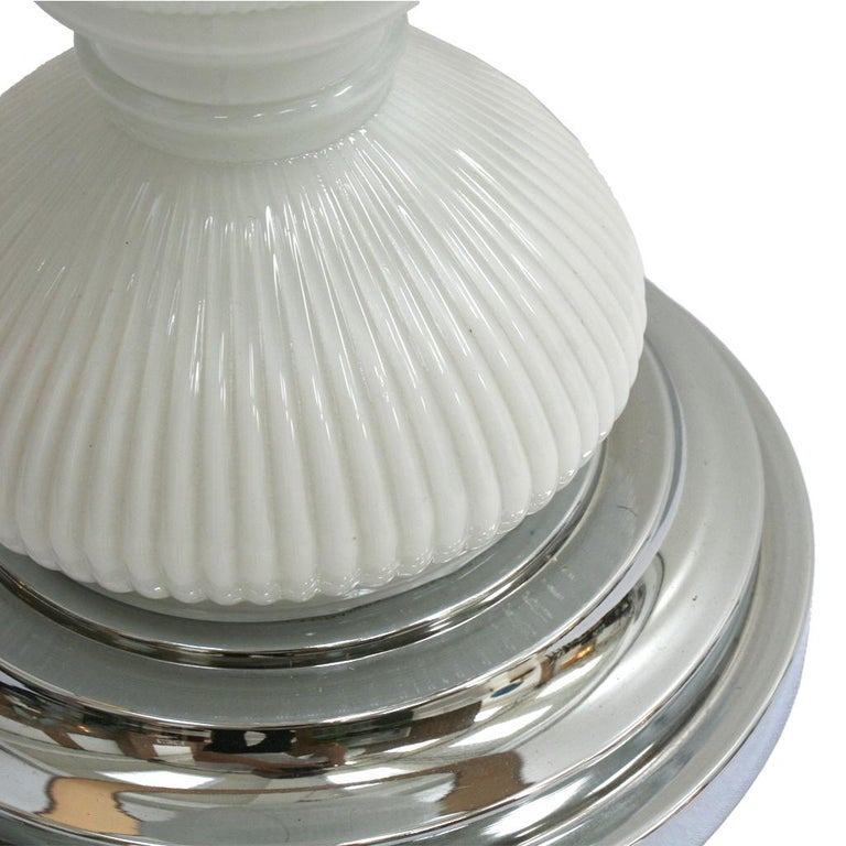 Mid-Century Modern Single Murano and Metal Italian Table Lamp For Sale 2