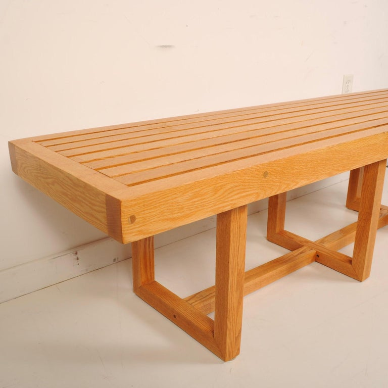 Mid-Century Modern Slat Bench In Good Condition For Sale In Darien, CT